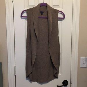Gap 100% cotton thin sweater vest in light brown